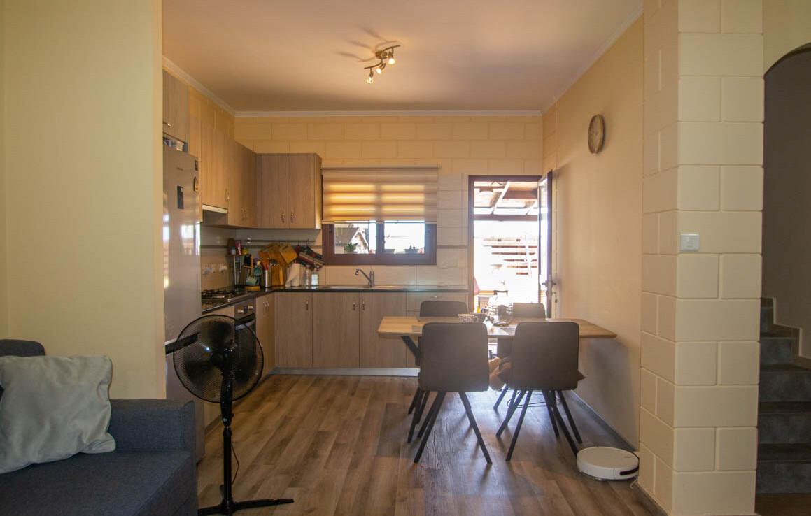 Двуспальный дом в Лиопетри - кухня