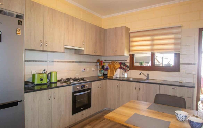 Двуспальный дом в Лиопетри на продажу - кухня