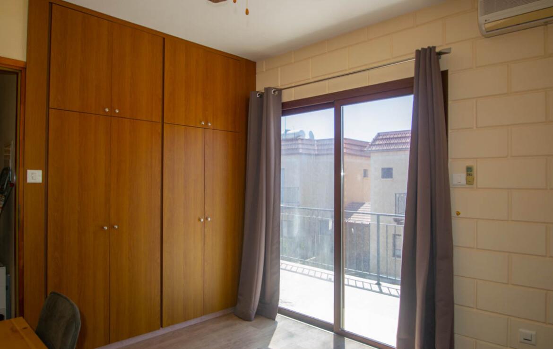 Двуспальный дом в Лиопетри на продажу - спальня