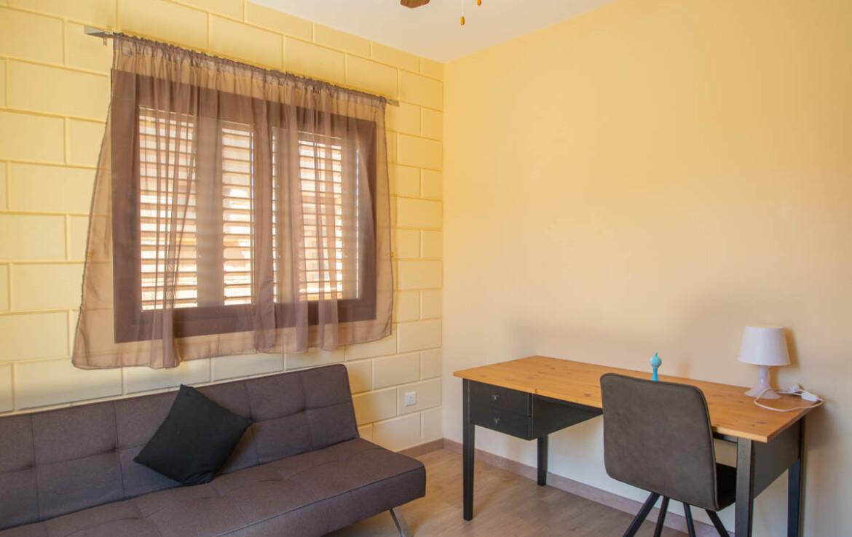 Двуспальный дом в Лиопетри купить - спальня