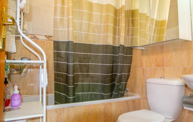 Двуспальный дом в Лиопетри - ванная