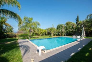 8-8-bed-villa-in-protaras-5703
