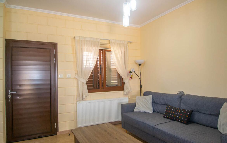Двуспальный дом в Лиопетри - зал