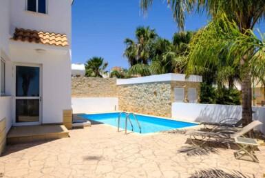 3-villa-in-Paralimni-for-sale-5787