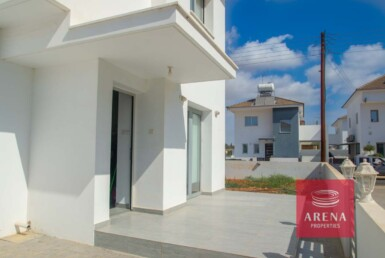 4-4-Bed-villa-in-Sotira-5774