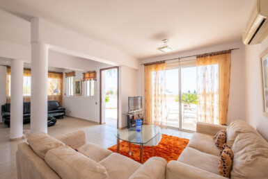 6-villa-in-Paralimni-for-sale-5787