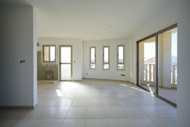 4-Incomplete-Apartment-in-Aradippou-5820